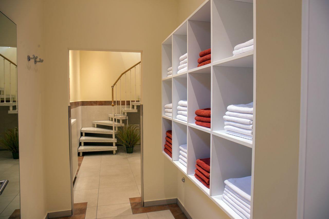 wellness im spessart unsere angebote f r sie hochspessart. Black Bedroom Furniture Sets. Home Design Ideas